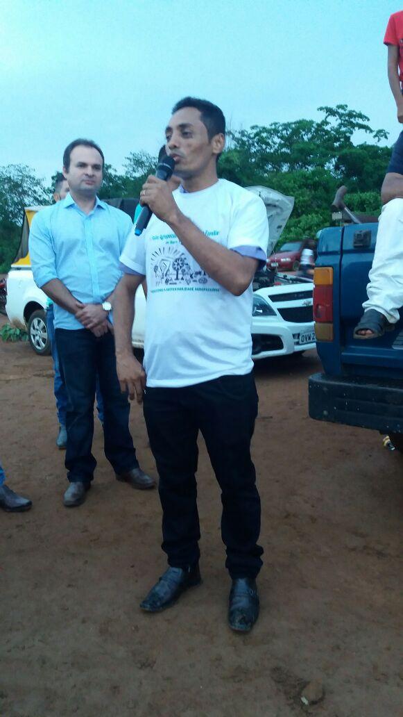 Resultado de imagem para foto do prefeito cladsom de barra d Alcantara