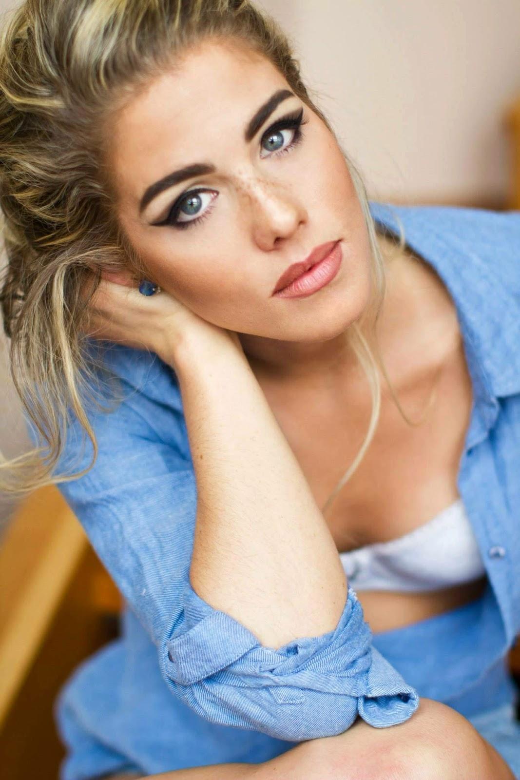 Emily bett rickards sexy pics