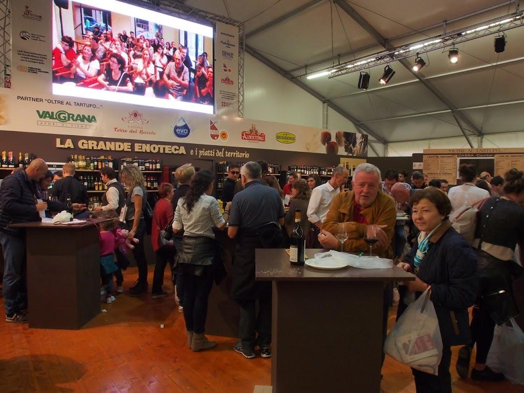 italy-alba-truffle-festival