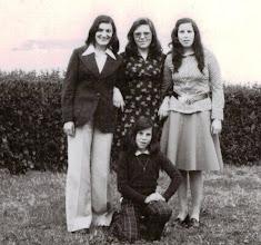 Photo: Angelines, Rosi, Leni y Mari Paz.