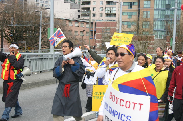 Global Protest in Vancouver BC/photo by Crazy Yak - IMG_0235.JPG
