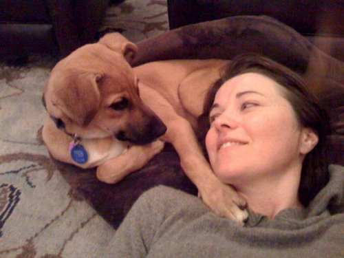 Lucy Lawless and a dog