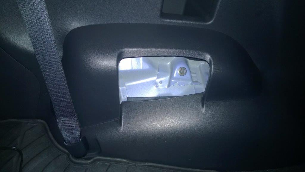 TUTORIAL - How to remove the 3rd row seats - Fortuner Forum