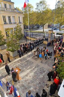 Mairie de Sèvres et cimetière - Cérémonie du 11 Novembre (GA)