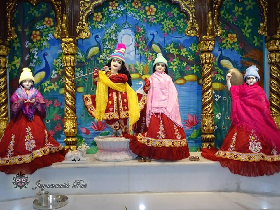 ISKCON Mira Road Mangla Deity Darshan 18 Dec 2015 (1)