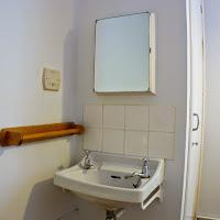 Room 06-sink