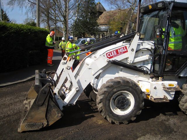St Johns Close Resurfacing 23-03-2015. Pictures by Chris Cannon - IMG_1071.JPG