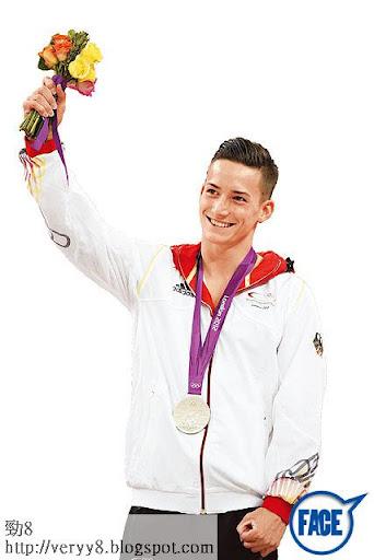 25歲阮馬素參加去年倫奧,雖然男子個人全能和體操男子雙槓比賽都只得銀牌,但係憑其靚仔外貌已令佢俘虜港女。