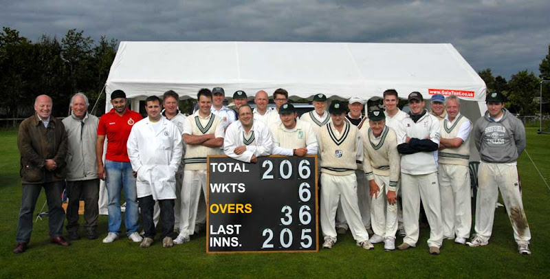 Cricket-2011-Baston-IMcK