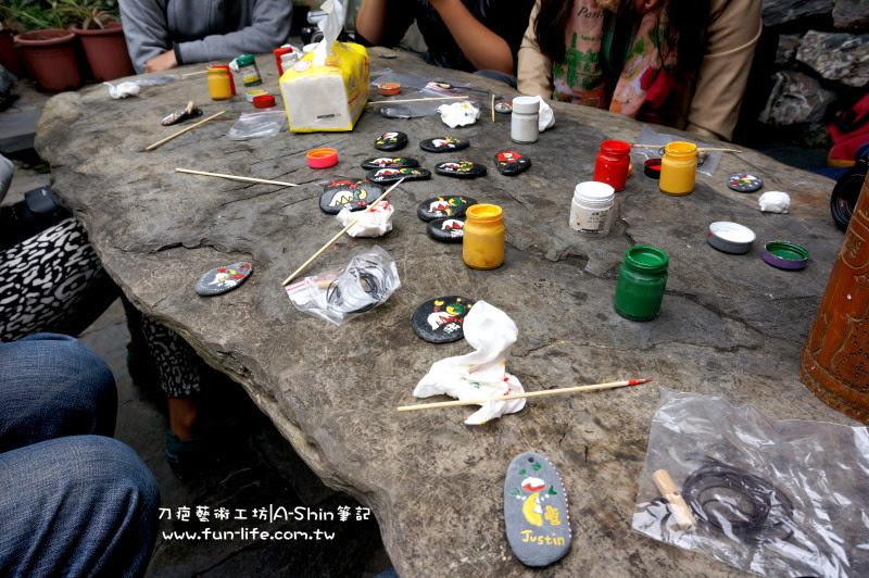 刀疤的家|石頭彩繪DIY,來到刀疤的家就是要帶點屬於自己的藝術品。