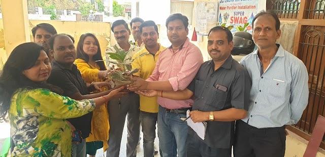 भारत विकास परिषद परिवार ने दिव्यांग बच्चों को दी होली सामग्री