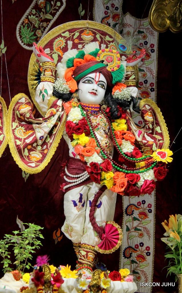 ISKCON Juhu Sringar Deity Darshan on 2nd Jan 2017 (42)