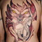16-alien-tatouage-incôté-de-le-peau-dos.jpg