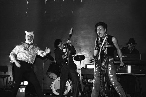 fotos-incriveis-da-cena-punk-dos-anos-80-na-russia-body-image-1463092207-size_1000