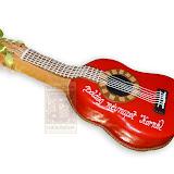 37. kép: Formatorták (fiúknak) - Piros akkusztikus gitár