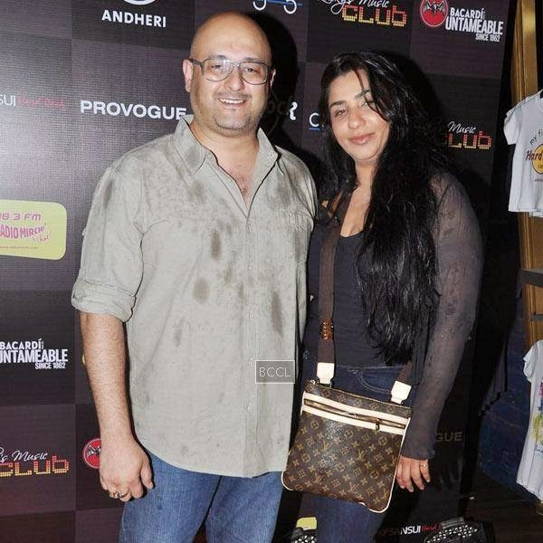 Guests during Ankit Tiwari's live concert, held at Hard Rock Cafe, on July 11, 2014.(Pic: Viral Bhayani)