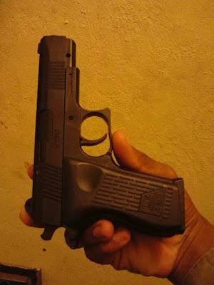 Resultado de imagen para pistola de juguete policia nacional