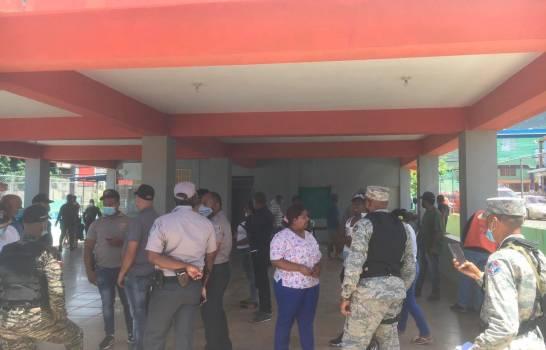 Puerto Plata: Asaltan centro de vacunación y despojan de fusil al vigilante