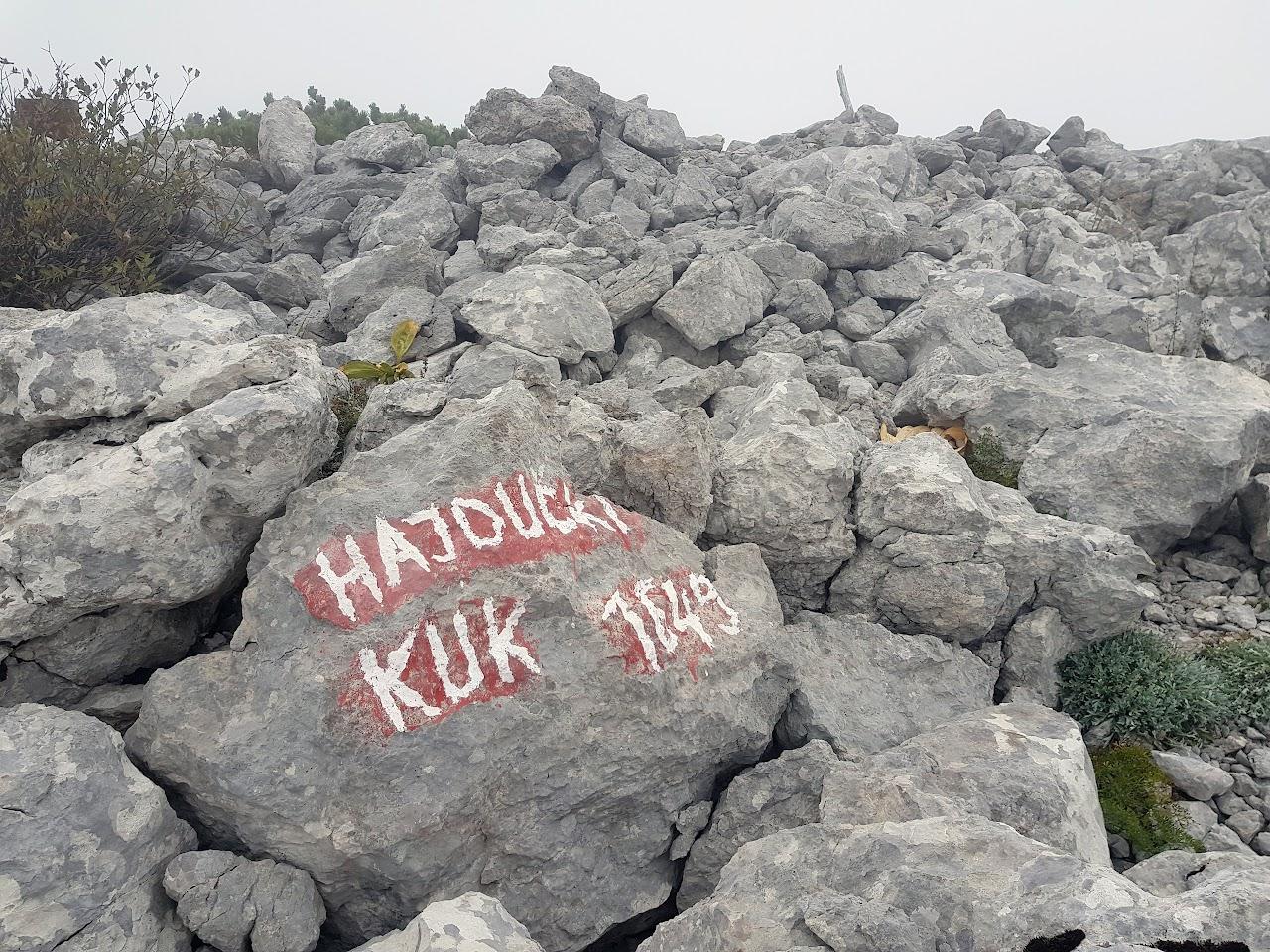 Hajdučki kukovi i Veliki Rajinac - Jesenski Velebit 29.-30.09.2018. - Jesenski Velebit 2018 sl. -022.jpg