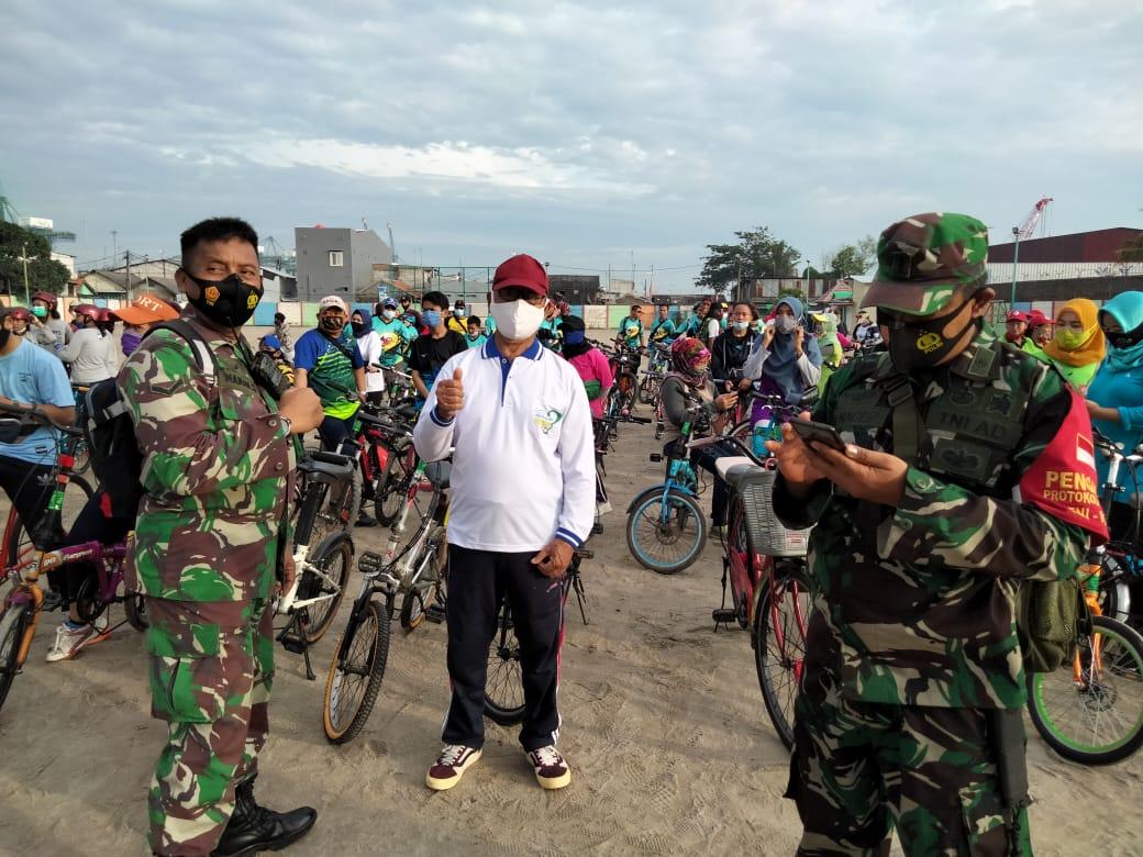 Babinsa Koramil-05/Cilincing Ikuti Gowes Fun Bike Kampanyekan 3 M