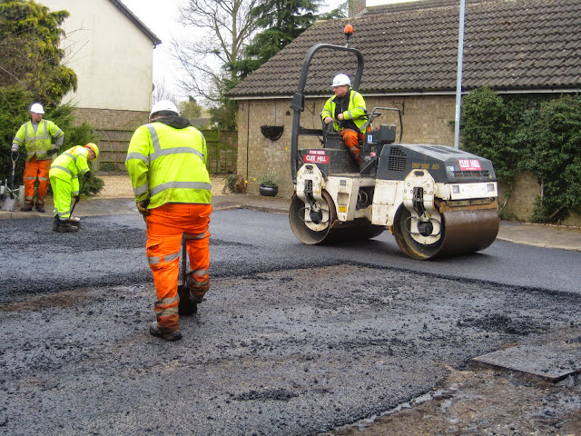 St Johns Close Resurfacing 23-03-2015. Pictures by Chris Cannon - IMG_1086.JPG