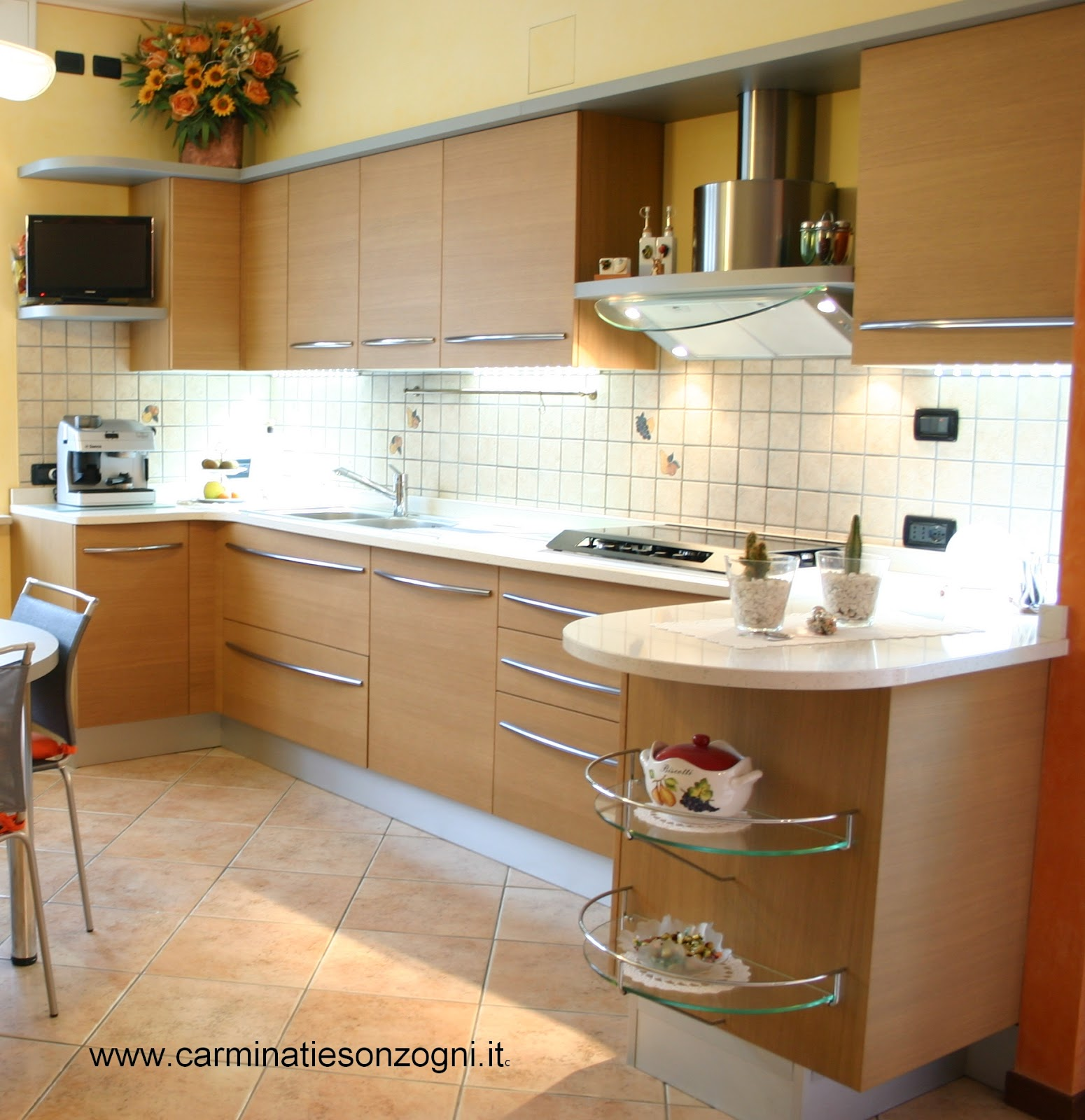 foto cucina Skyline Snaidero, in provincia di Bergamo, Lombardia, penisola zona ingresso  .jpg