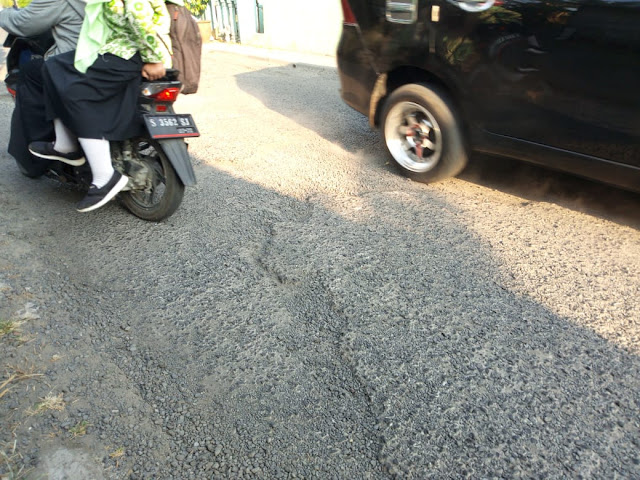 Jalan Berlubang Prajurit kulon Kota Mojokerto