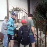 Przed domem Rocha i Konrada