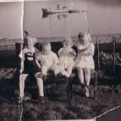 Elsa harry og to til hos bestemor