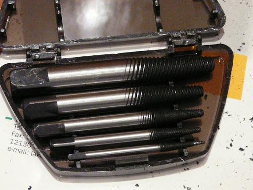 Tornillos agarrados  P1050939sa2