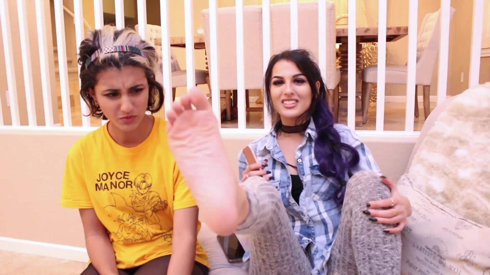 Feet sssniperwolf SSSniperWolf (Alia