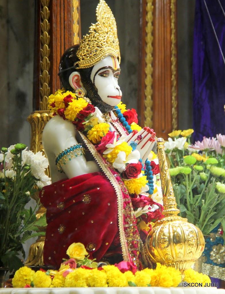 ISKCON Juhu Sringar Deity Darshan on 1st May 2016 (31)