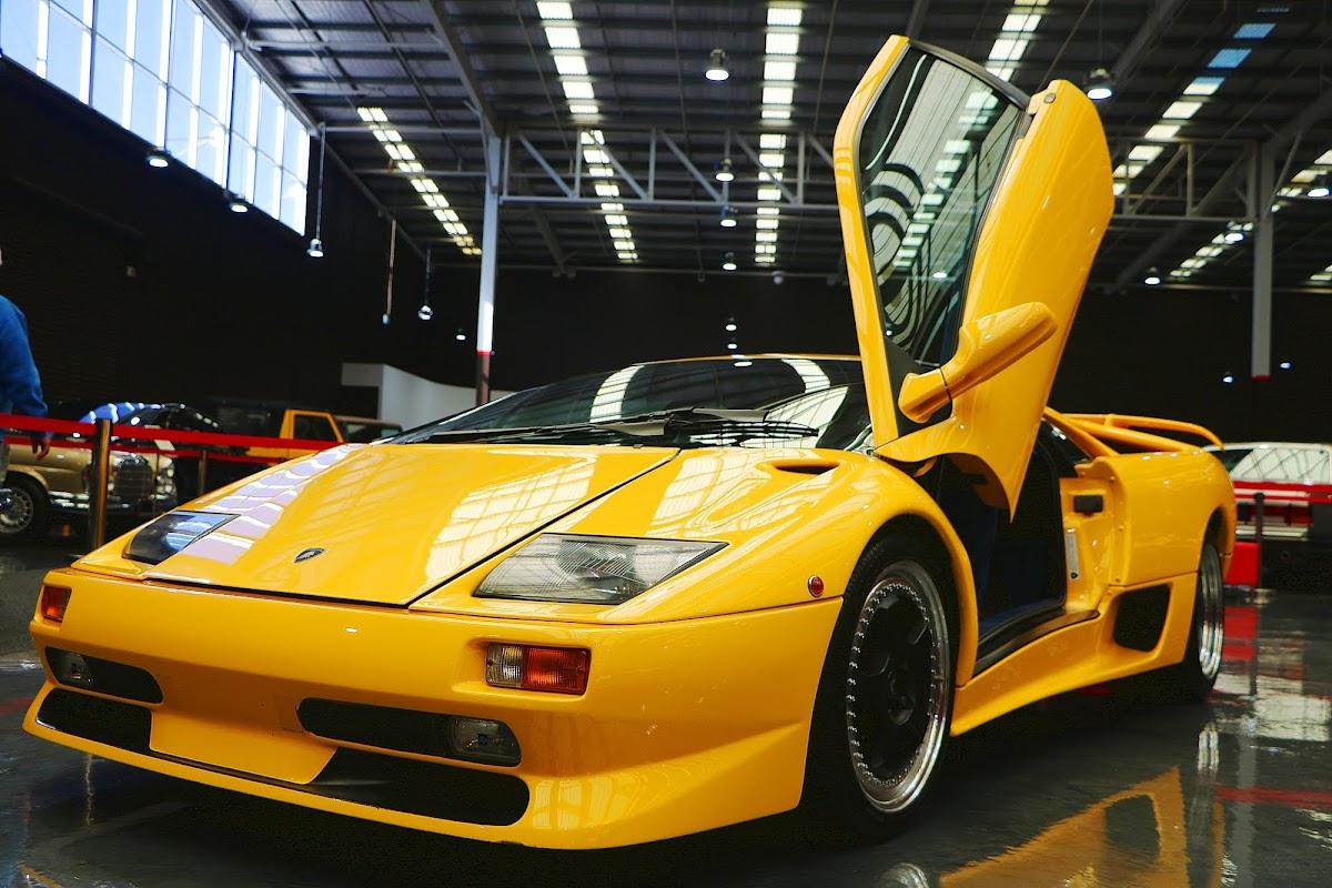 1999 Lamborghini Diablo (05).jpg