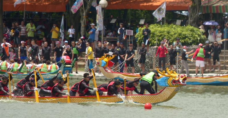 Dragon boat festival à Longtan ( Taoyuan) - dragonboat%2B049.JPG