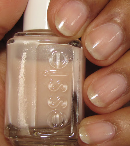 One coat Essie Waltz, one coat Essie Vanity Fairest