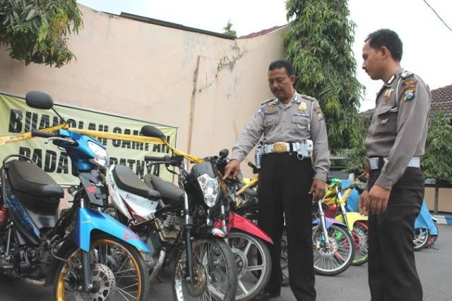 Polisi Amankan 105 Sepeda Motor Dari Lokasi Balap Liar