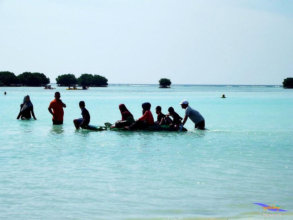family trip pulau pari 090716 Fuji 033