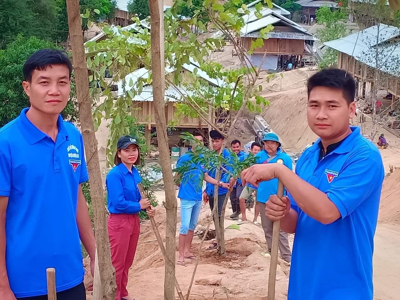 Mô hình hàng cây thanh niên của Huyện đoàn Mường Lát