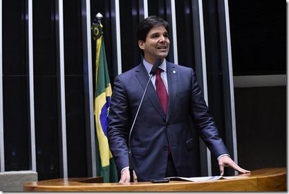 Felipe Maia Tribuna