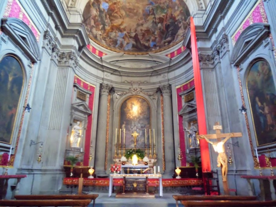 Interior de la Iglesia de San Filippo Neri