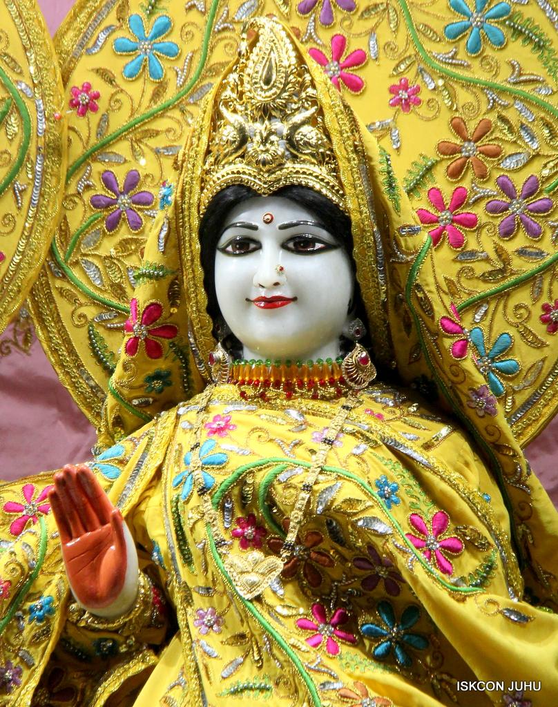 ISKCON Juhu Mangal Deity Darshan on 18th Jan 2017 (24)