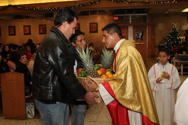 OLOS Navidad 2010 con Amigos Migrantes - IMG_9774.JPG