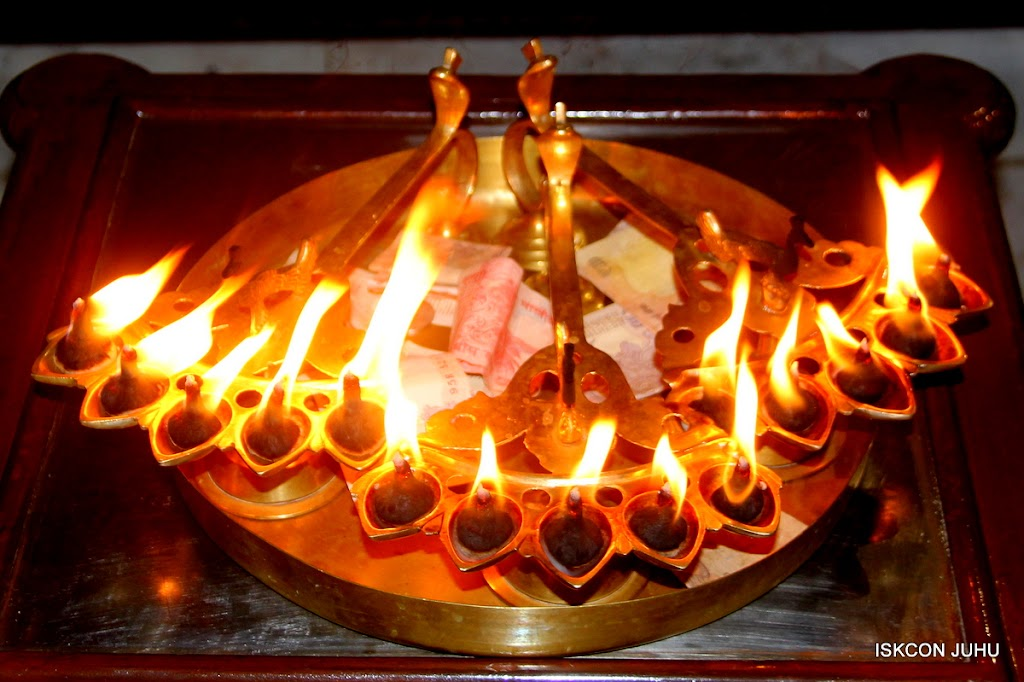 ISKCON Juhu Mangal Deity Darshan on 10th July 2016 (1)