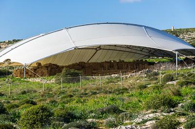 Geocaching auf Malta: Der Süden - die Tempel von Ħaġar Qim und Mnajdra - Blick ins Innere