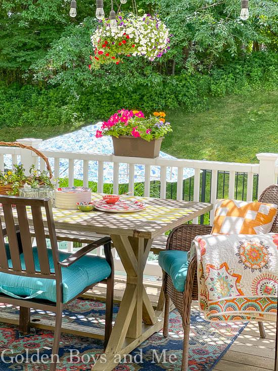 Summer dining porch with DIY pergola - www.goldenboysandme.com