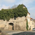 Rue Vieille de Paris : vestige de l'enceinte médiévale