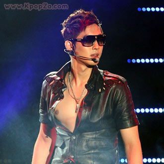 Kim Hyun Joong ประสบความสำเร็จในงานโชว์เคสอัลบั้มใหม่