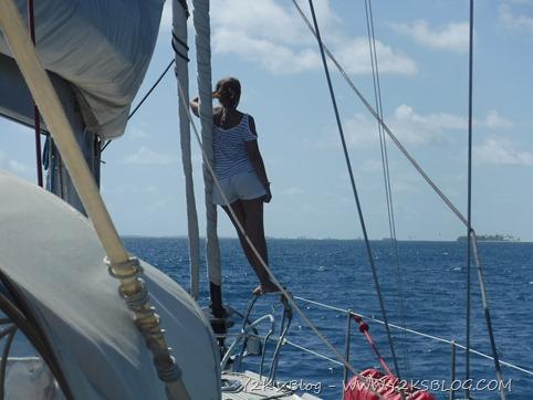 Verso l'ancoraggio di NE, si presta attenzione alle teste di corallo - Raroia