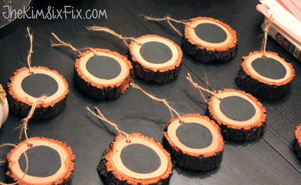 Tie twine onto wood slices