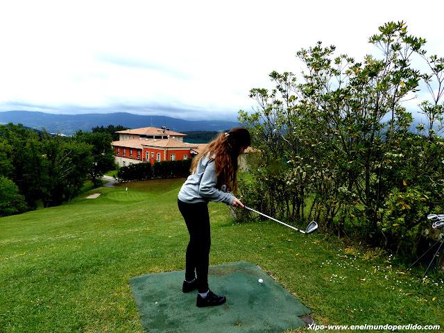 jugar-golf-urgoiti.JPG